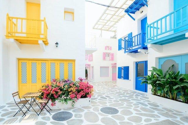 What Should Get More Importance- Interior Design or Exterior Design?